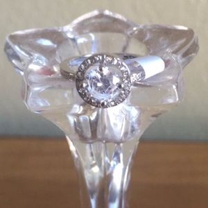 Jewelry - 3/$20🌟 Silver Halo Engagement/Wedding Ring